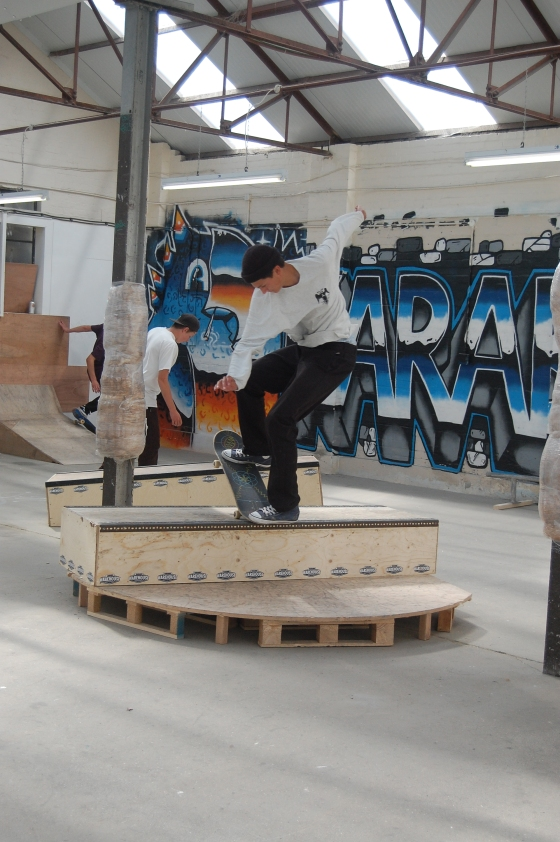 Skaters in the Karabu warehouse